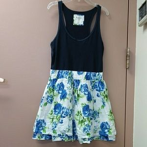Abercrombie & fitch floral navy blue/white dress